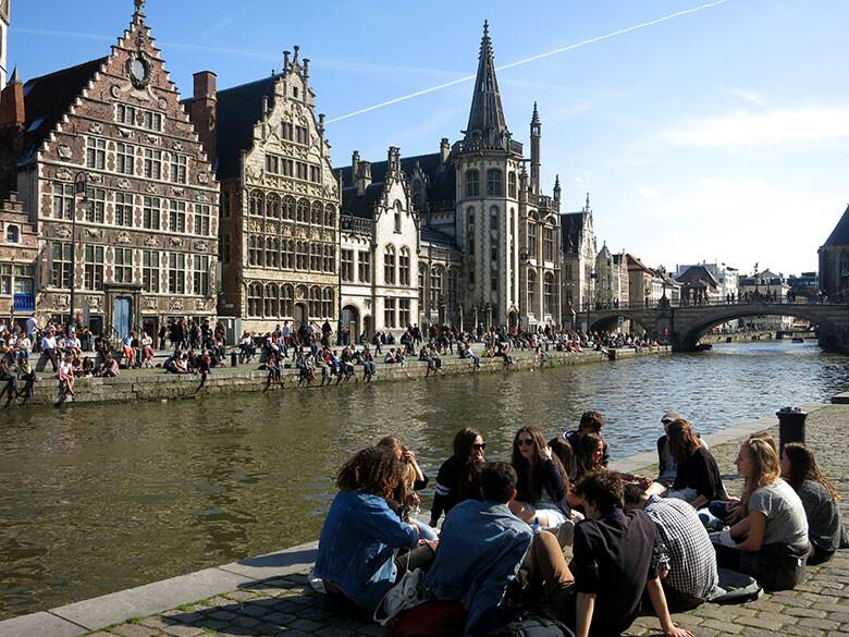 Ideal escenario frente al río en Gante