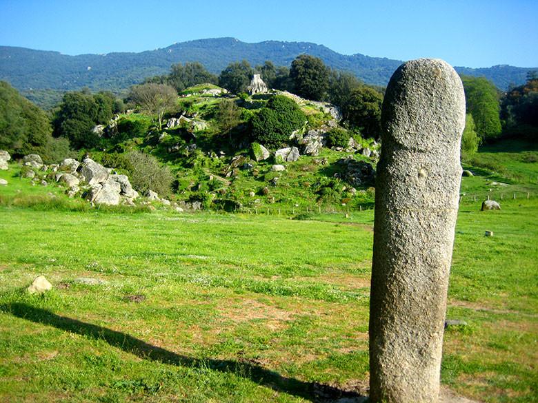 Ruinas con formas muy sospechosas en Filotosa, Córcega