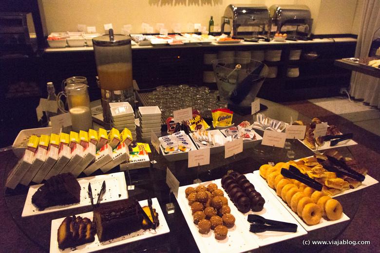 Buffet desayuno, Hotel Rafael Atocha, Madrid