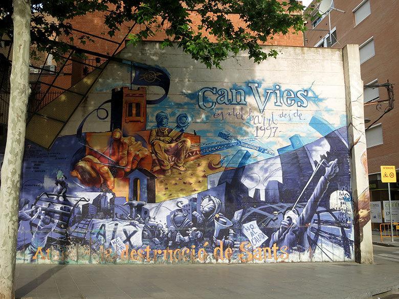 Graffitis en la famosa casa de Can Vies en Sants