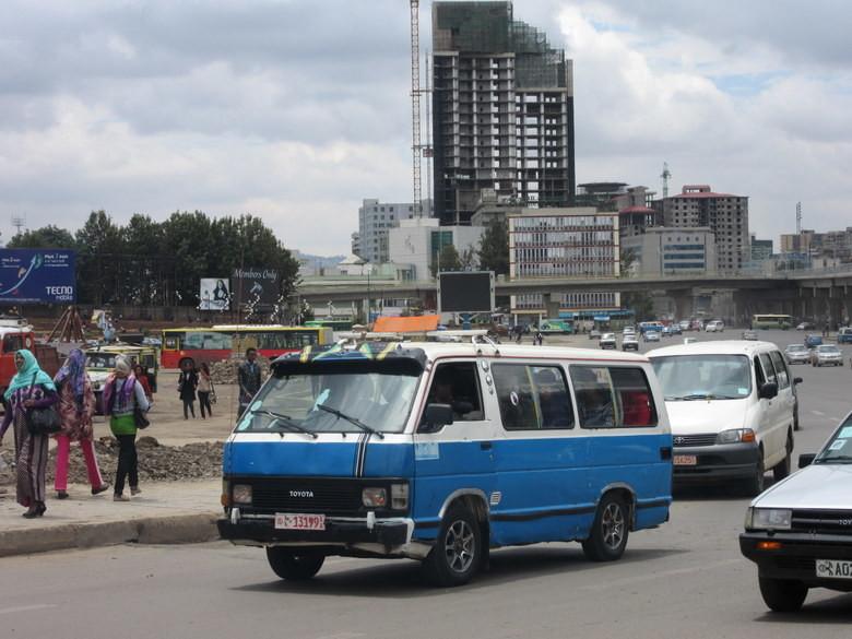 Las furgonetas de Addis