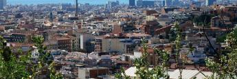 Vistas al litoral de la ciudad desde el Turó de la Peira