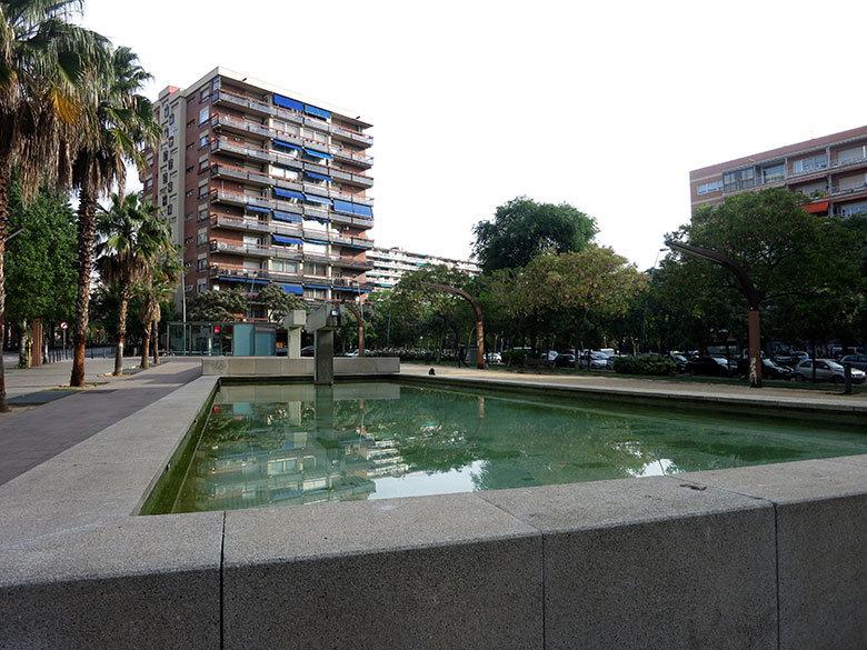 plaza-les-corts