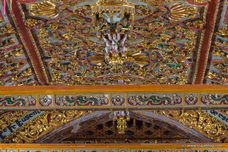 Detalle del techo, nave principal de la Iglesia de San Francisco, Quito Ecuador