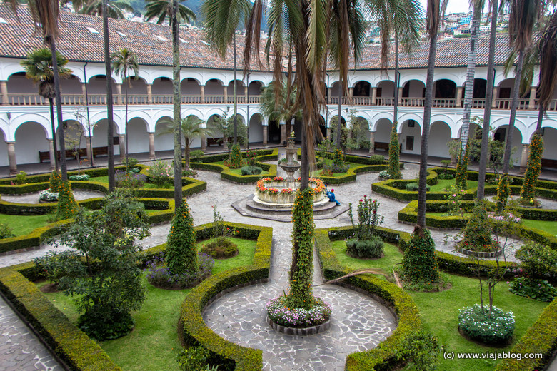 Patio del Claustro, Convento de San Francisco, Quito, Ecuador
