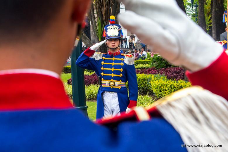 Ceremonia del Cambio de la Guardia Presidencial, Quito, Ecuador