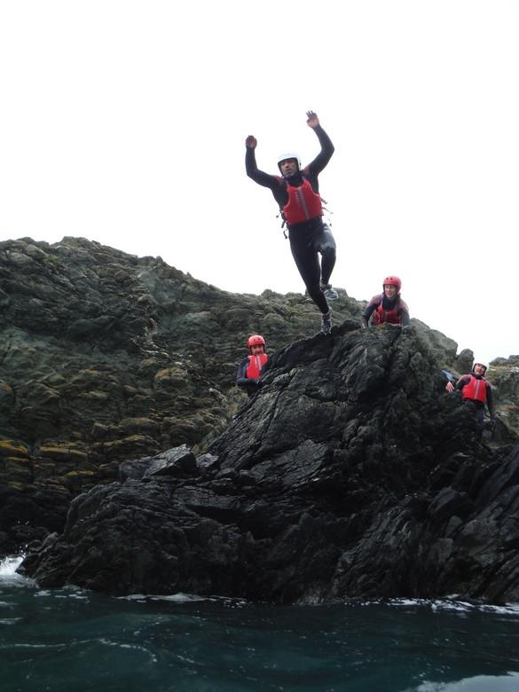gales-coasteering