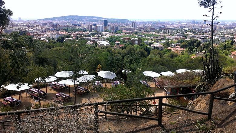 Vistas a Montjuic desde el restaurante del Parc de l'Oreneta