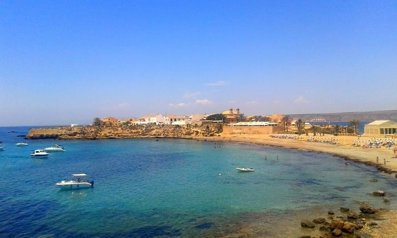 La playa de la islad de Tabarca, en Alicante