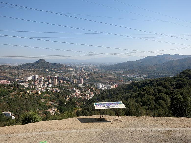 Vistas a las montañas desde Torre Baró
