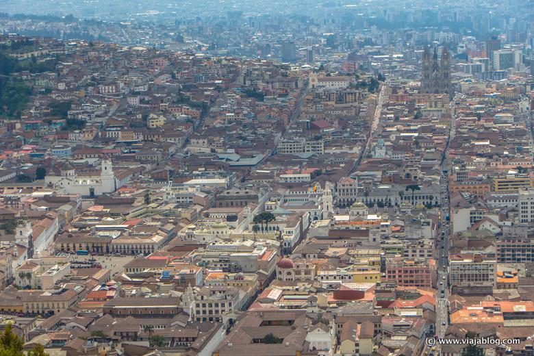 Centro Histórico de Quito (Ecuador) desde el Mirador del Panecillo
