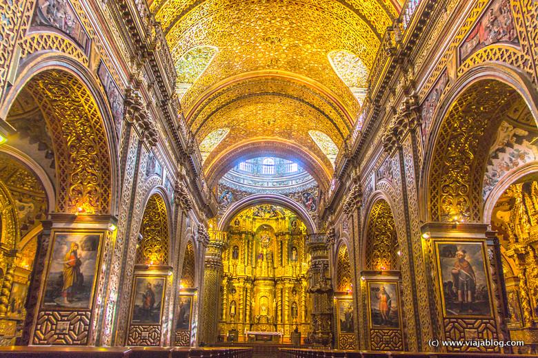 Nave Central de la Iglesia de la Compañía de Jesús, Quito, Ecuador