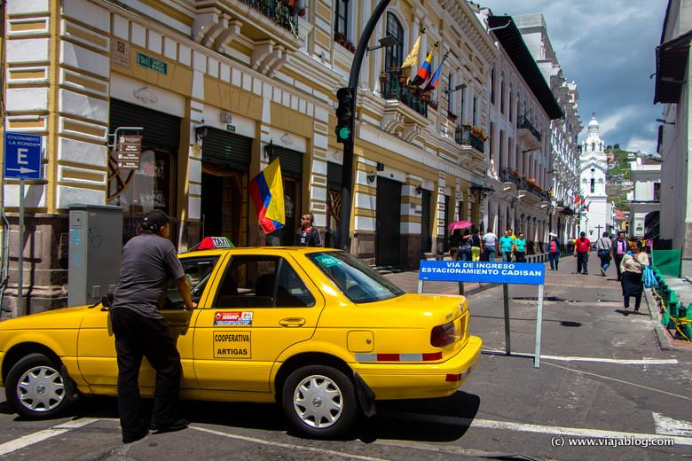 El domingo se restringe el tráfico por el centro histórico de Quito (Ecuador)
