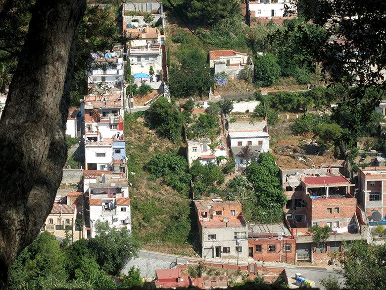 Construcciones que pueden contemplarse en Torre Baró desde el castillo