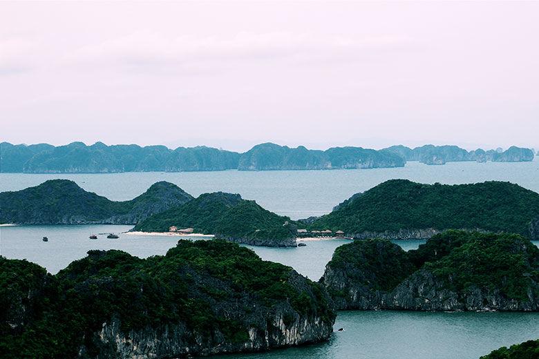 Panorámica a Halong Bay