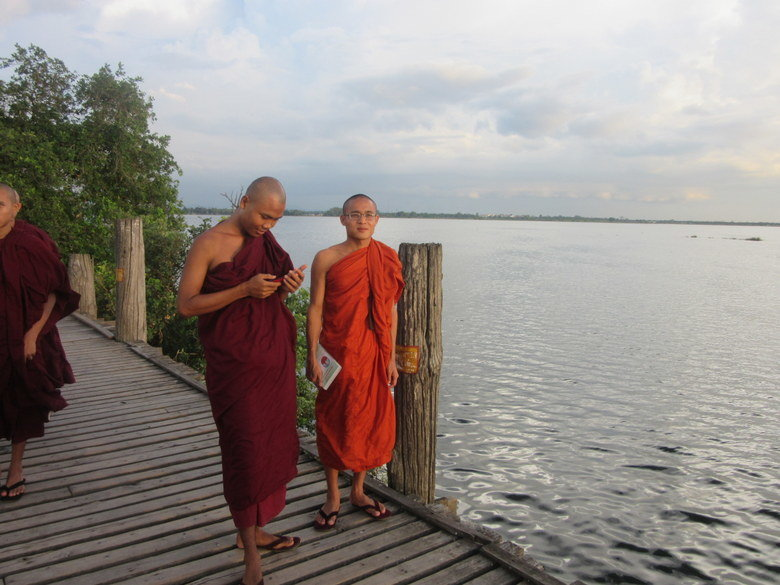 Monjes en Mandalay