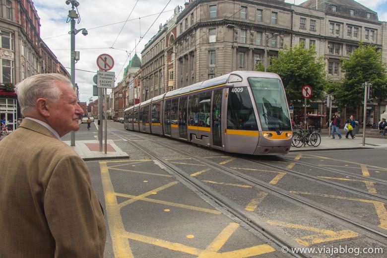 A 100m del Spire Hostel hay una parada de LUAS (el tranvía de Dublín)