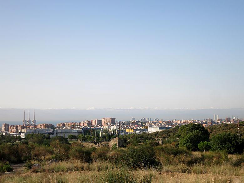 """El inconfundible """"skyline"""" de Badalona"""