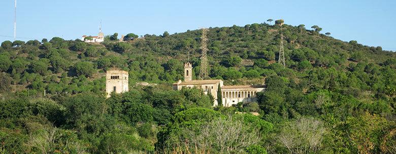 Vistas a Sant Jeroni de la Murtra y a la ermita de Sant Climent