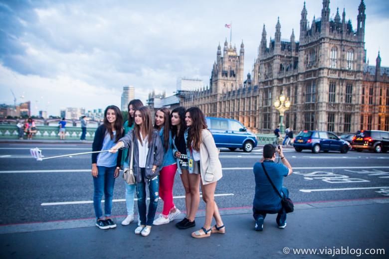 Usar la Tarjeta Oyster es más fácil que hacerse un selfie en Londres