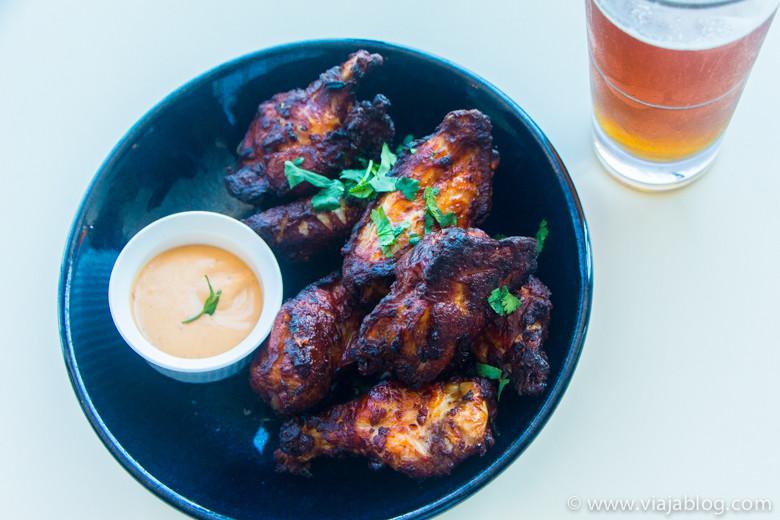 Alitas de pollo, The Deck, Luna Park, Sidney, Australia