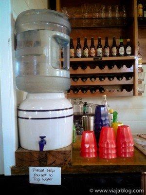 Sana y gratis, agua del grifo para beber en Lithgow, NSW, Australia