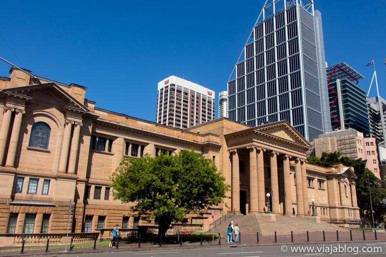 Fachada principal, Biblioteca del Estado de NSW, Sidney, Australia
