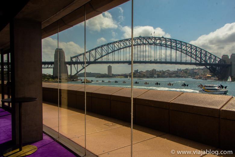 Harbour Bridge desde el interior de la Sydney Opera House, Sidney, Australia