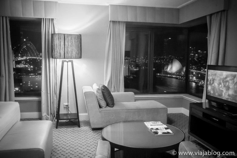 Interior de Full Harbour View Junior Suite, Four Seasons Hotel, Sidney, Australia