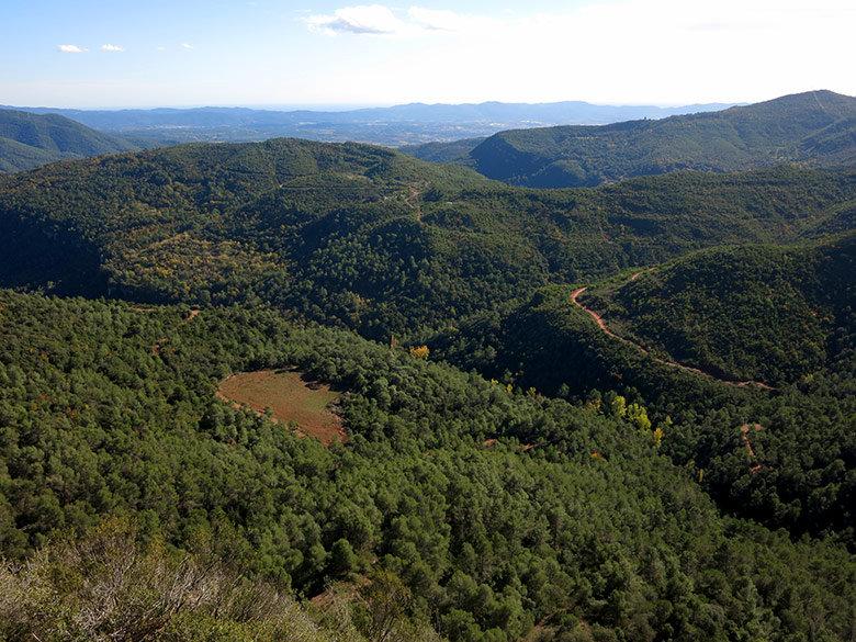 Vistas al Corredor Montnegre y al Meditarráneo desde La Trona
