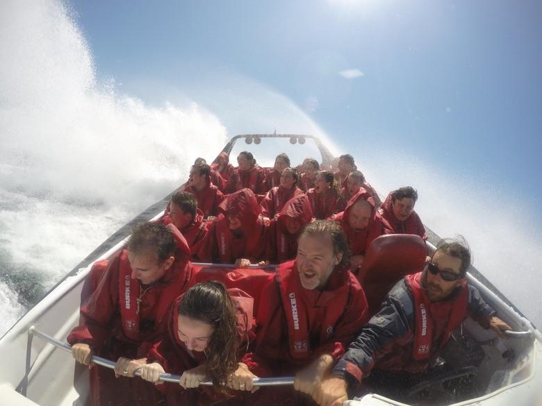 Otro giro más serio Oz Jet Boating, Sidney, Australia