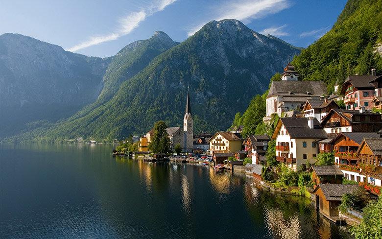 austria-lago-pueblo