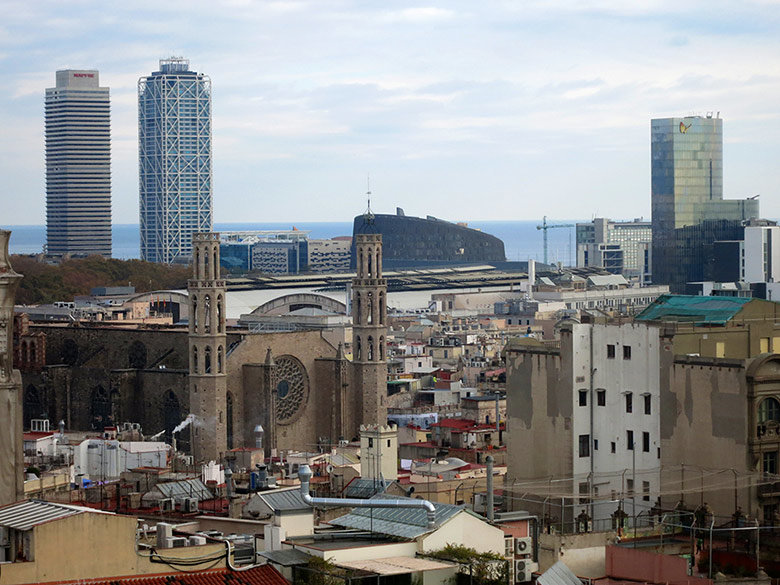 Vistas a Santa María del Mar y las Torres Mapfre