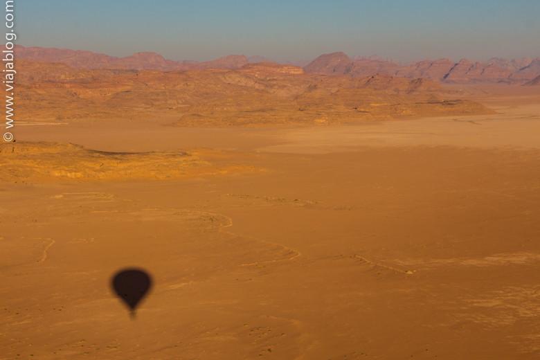 En globo sobre el desierto, Wadi Rum, Jordania