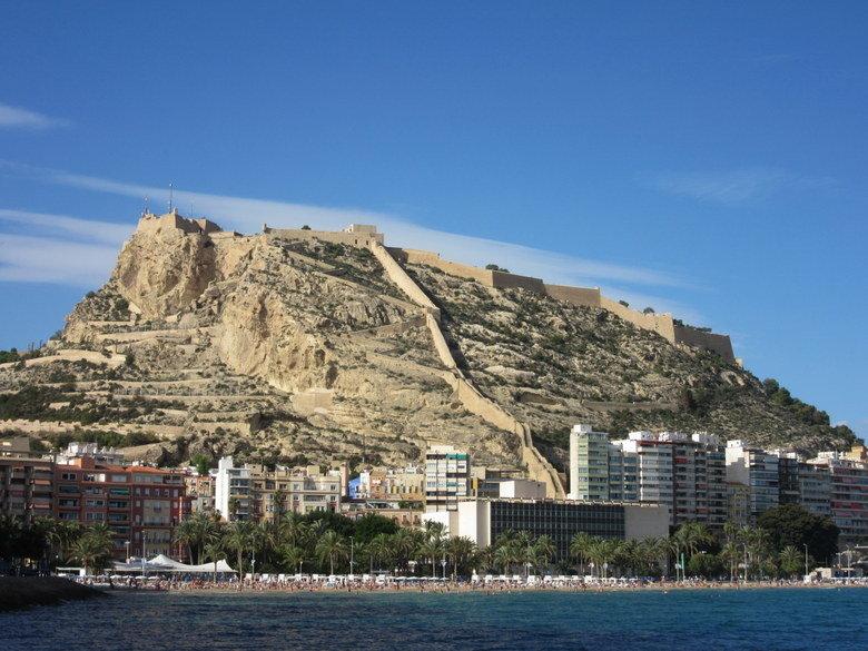 Alicante y el emblemático Castillo de Santa Bárbara