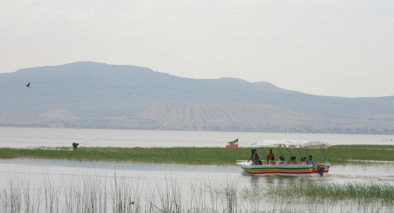 Excursiones en barca en el lago