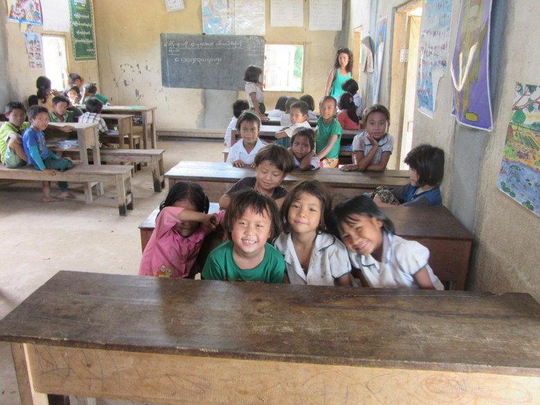 escuela-myanmar-kengtung