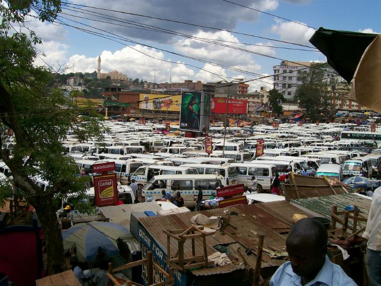 Estacion central de matatu en Kampala Uganda