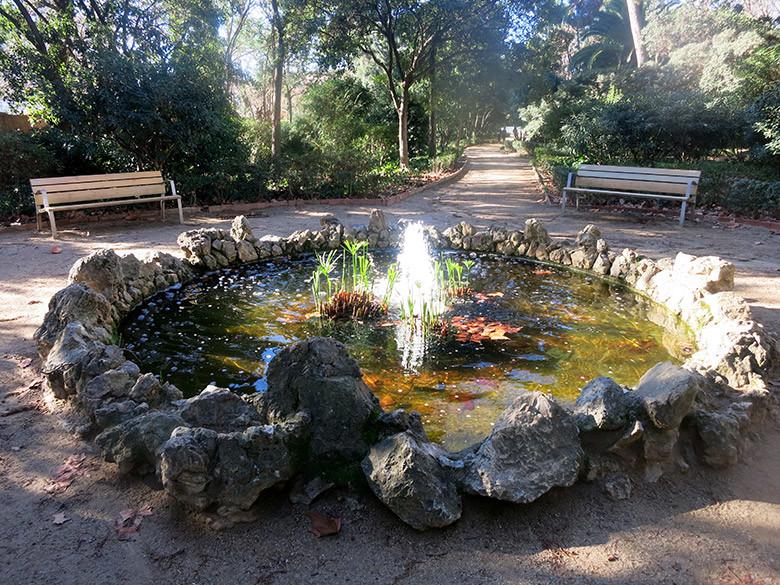 Estanco en la zona del jardín romántico