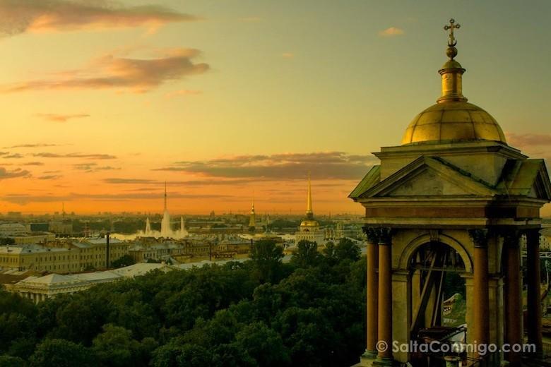 Puesta de sol en San Petersburgo [(c) Saltaconmigo]