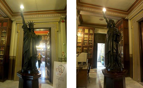 La Estatua de la Libertad en la Biblioteca Arús