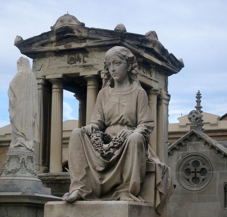 nina-cementiri-poblenou