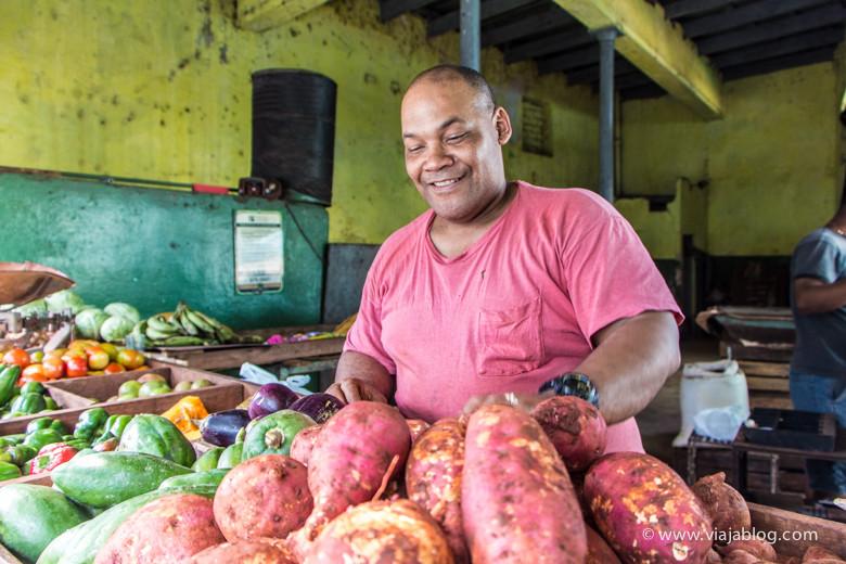 Cubanos en La Habana Vieja