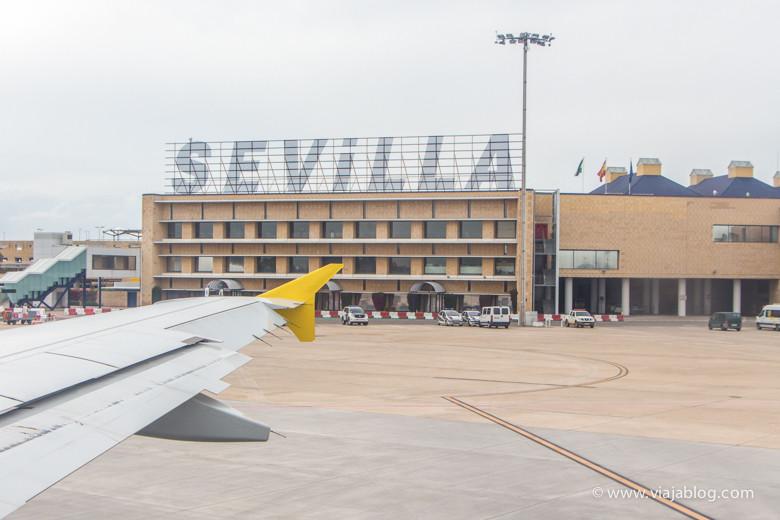 Aeropuerto de Sevilla desde la pista