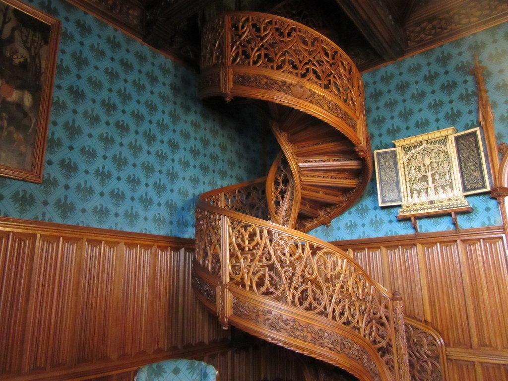 La escalera de la biblioteca del castillo de Lednice
