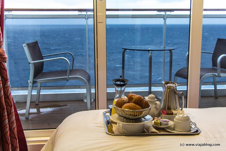 Desayuno en camarote (con balcón) del MSC Opera