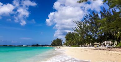 Playa en Gran Caimán, de crucero en el MSC Ópera por el Caribe