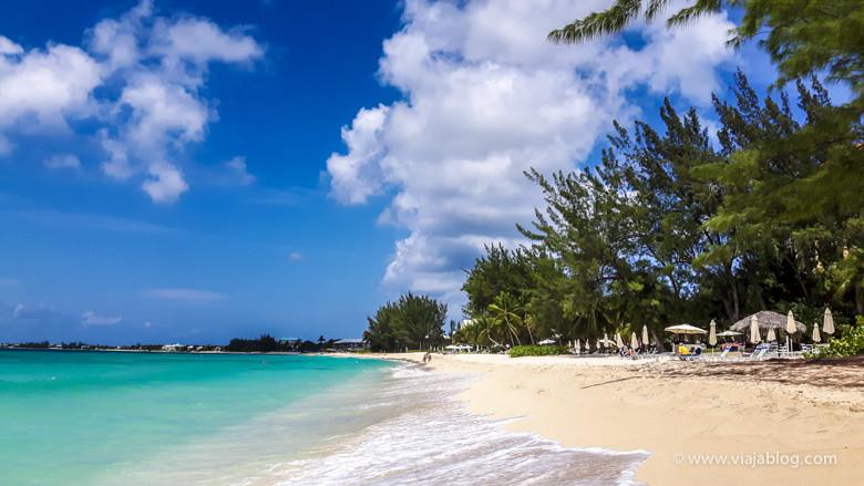 Playa en Gran Caimán, de crucero en el MSC Opera por el Caribe