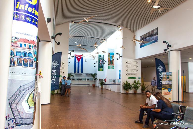 Información y cambio de moneda, Terminal Sierra Maestra (La Habana)