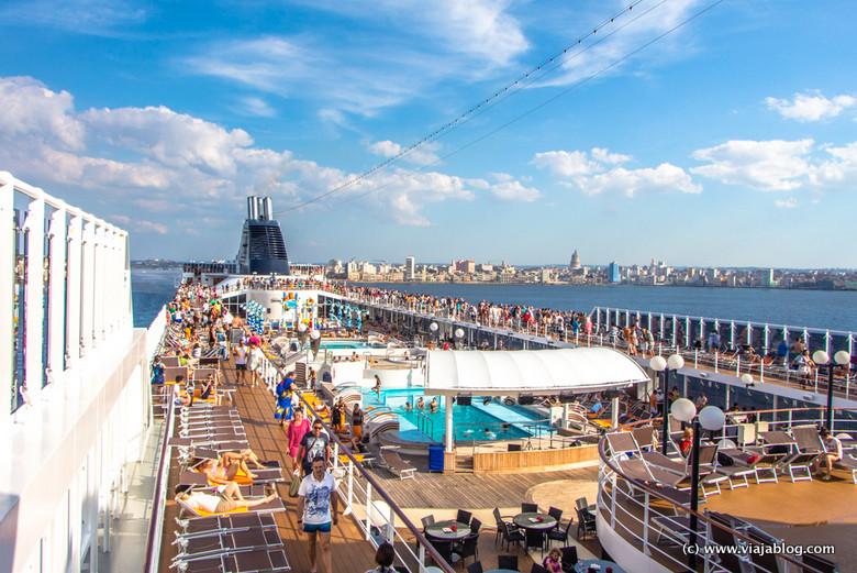 Comienza el crucero por el Caribe: el MSC Opera abandona La Habana